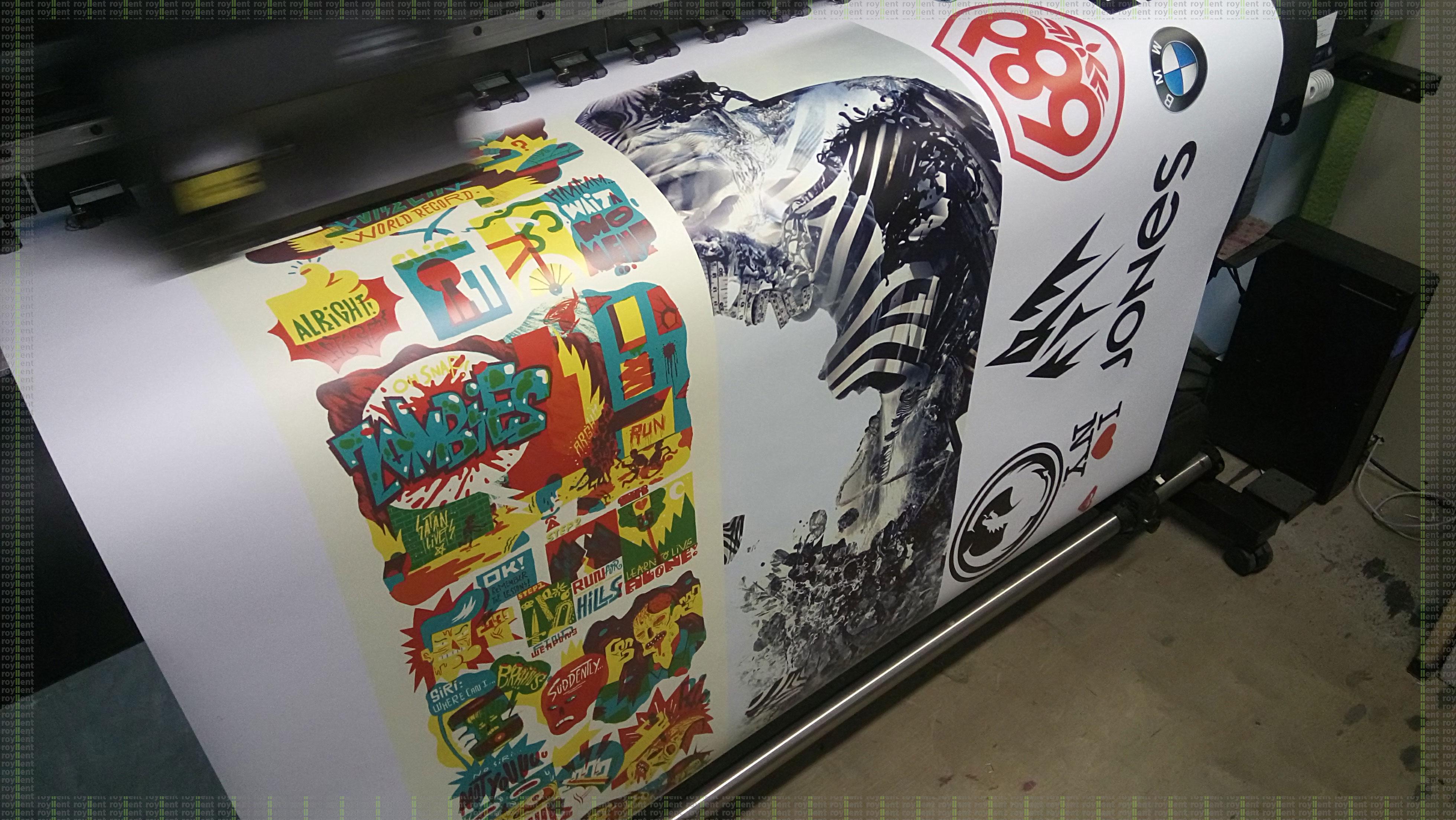 Печать виниловой наклейки на сноуборд