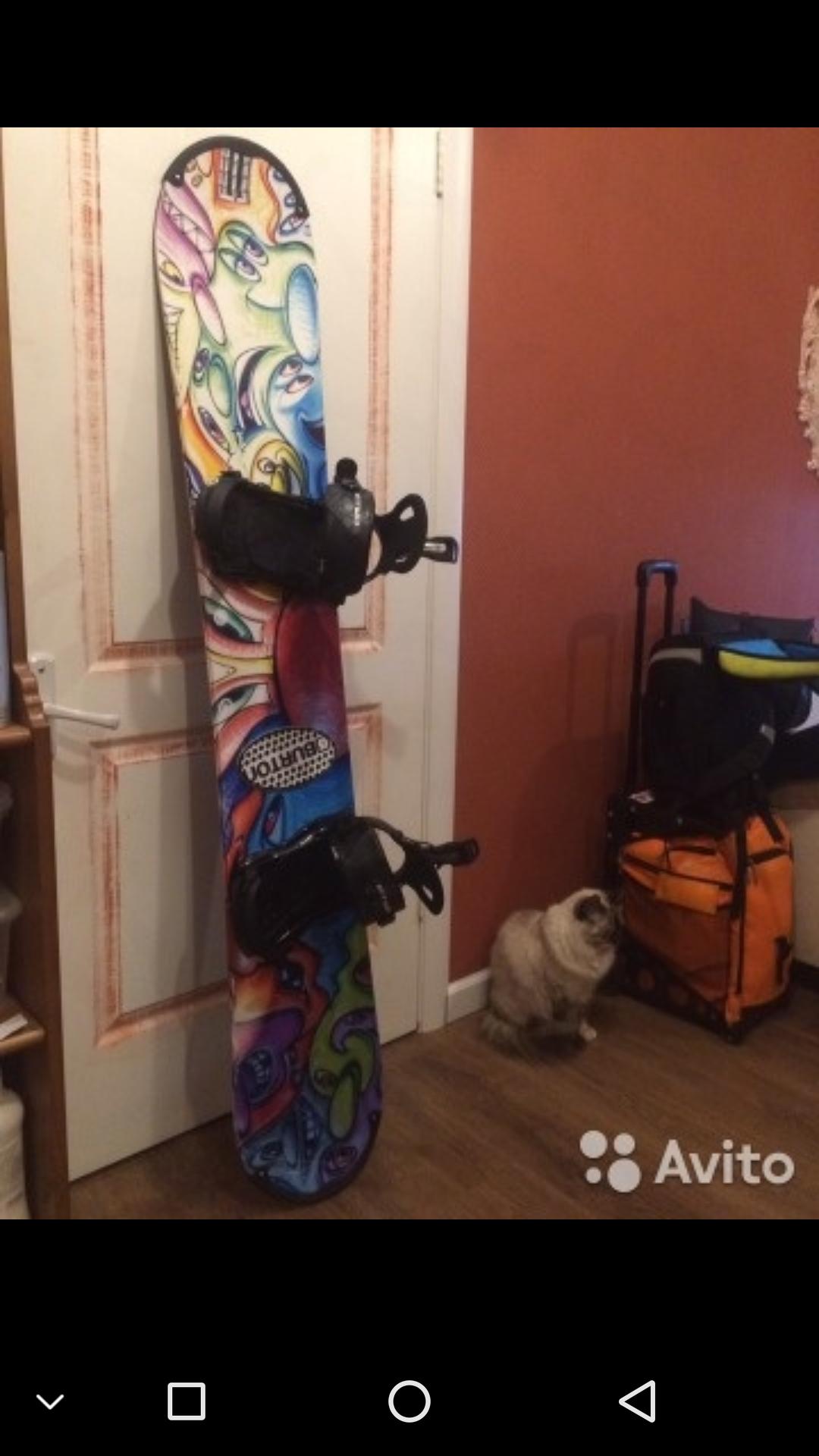 Уже наклееная виниловая сноуборд наклейка